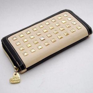 Betsey Johnson Studded Cream/Navy Zip Wallet